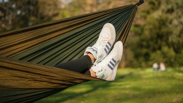 La chaussure de sport: nouvelle tendance mode?