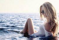 Le piercing au téton : ultra tendance cet été sur les plages en monokini