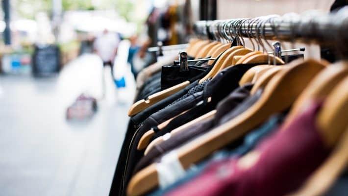 Est-ce une bonne façon d'acheter de bons vêtements dans les supermarchés?