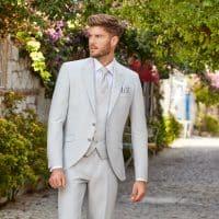 Comment bien s'habiller avec un costume lors d'un mariage?