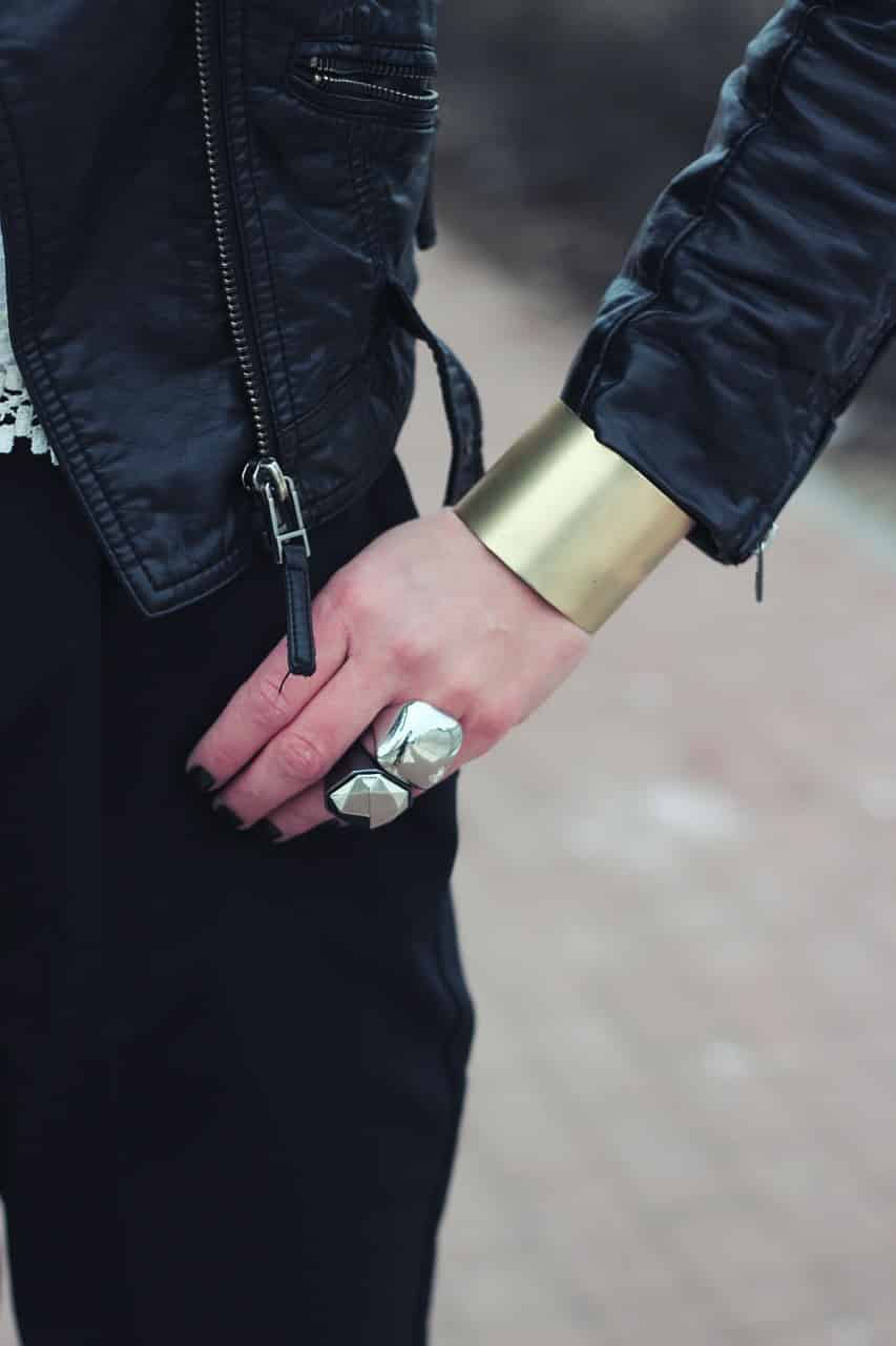 Port de bijoux, les grandes tendances à connaître absolument !