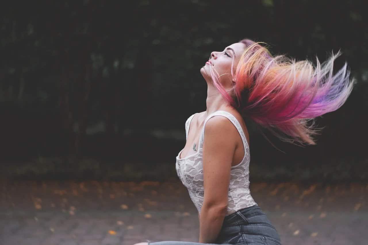 Comment se lisser les cheveux simplement ?