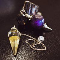 Comment fonctionne le pendule divinatoire ?