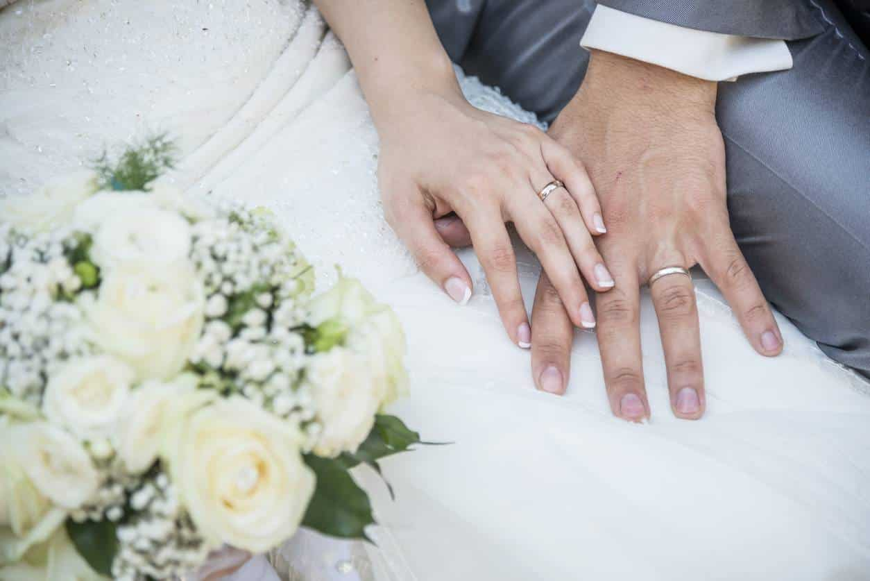 bijoux de mariage personnalisés créateur alliance bague de fiançailles parure