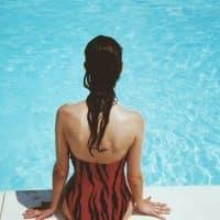 Opter pour un maillot de bain une pièce glamour et féminin !