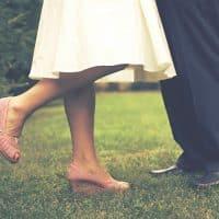 Quelles chaussures porter avec une jupe longue plissée ?