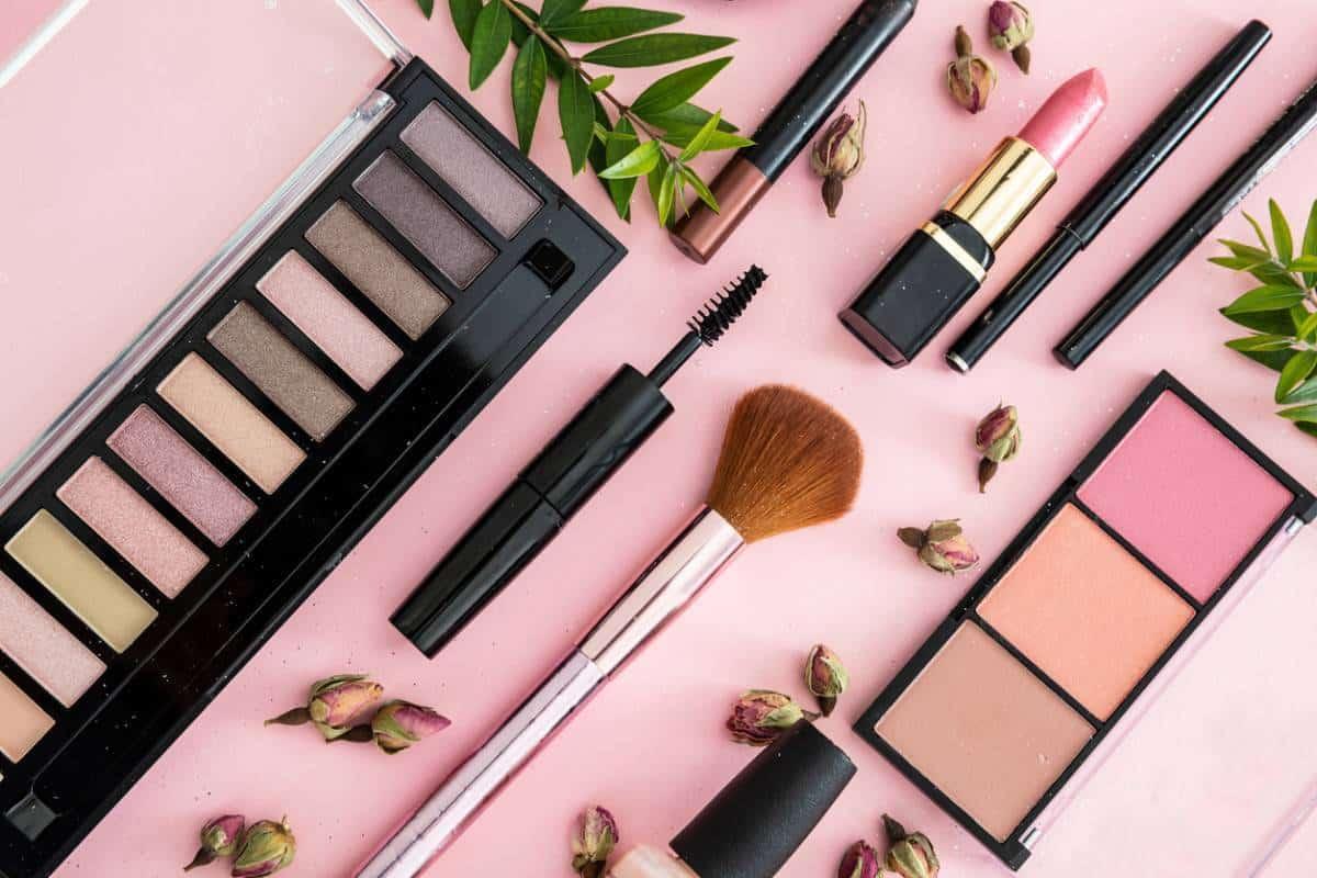 Peut-on faire confiance au maquillage à petit prix ?