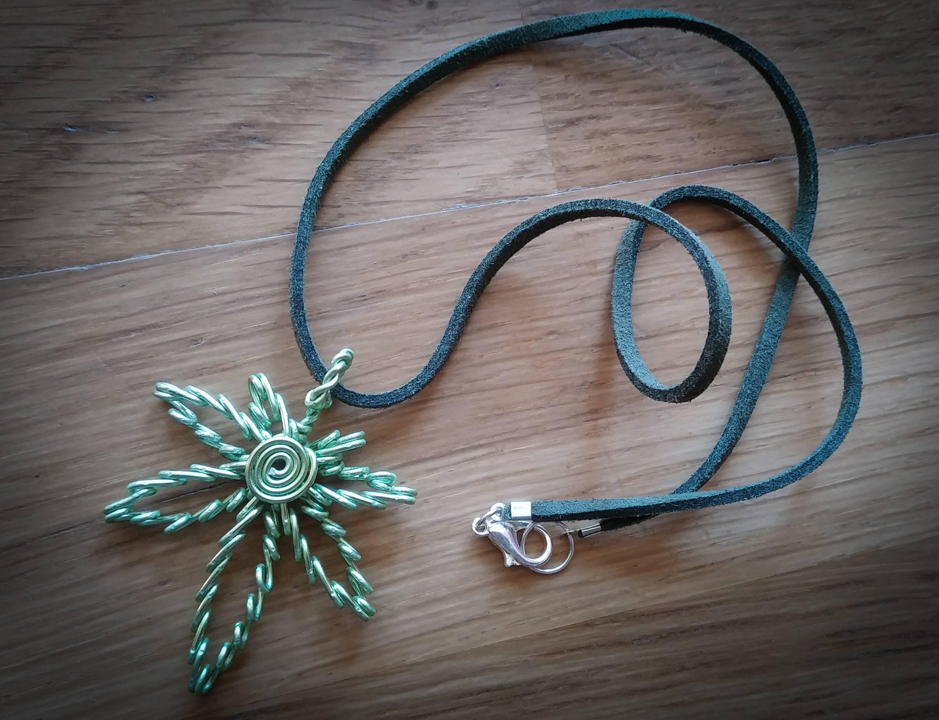 bijoux motif végétal