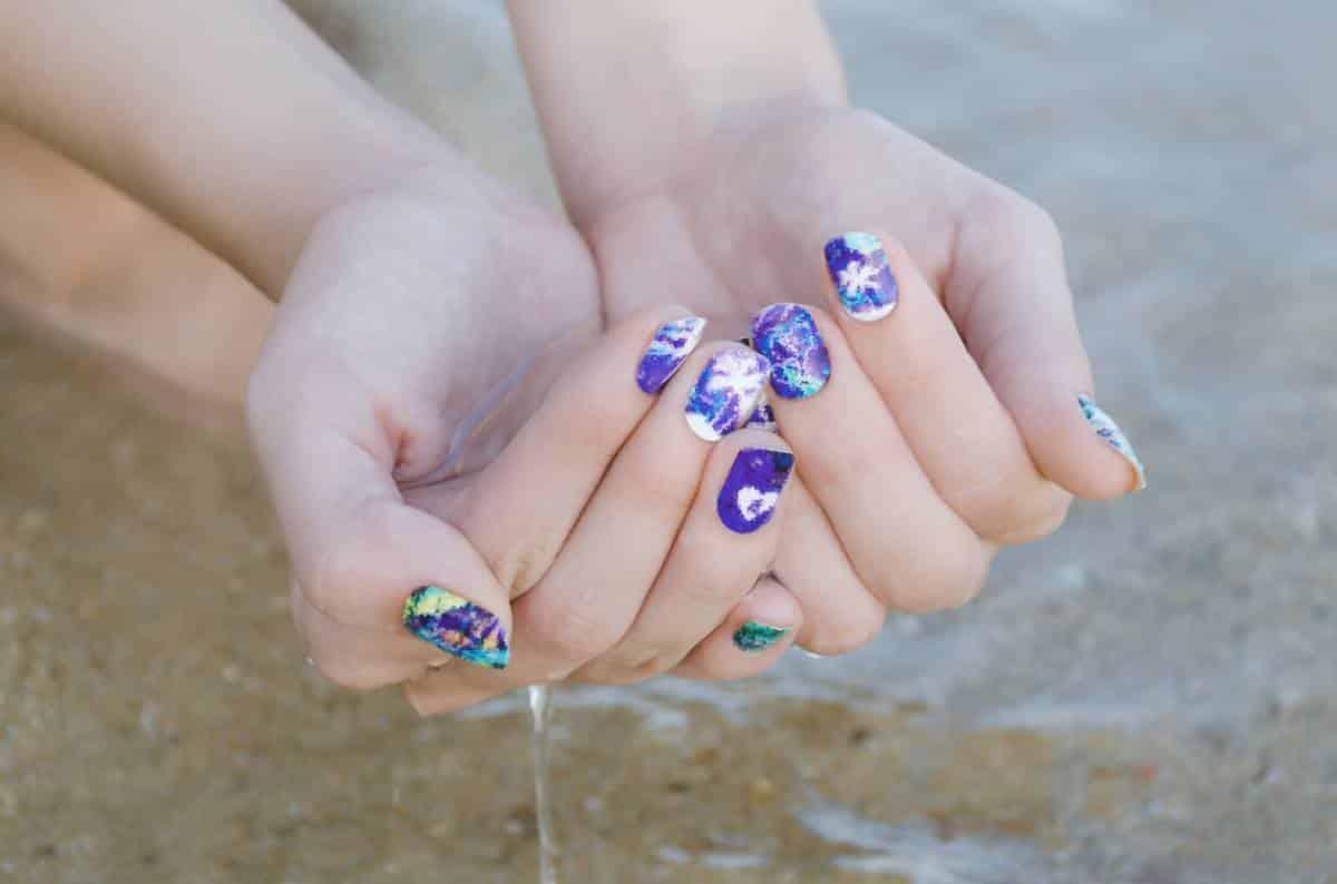 Beauté des ongles : avez-vous pensé aux stickers ?