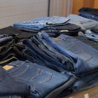 Comment trouver des vêtements United Wardrobe d'occasion ?